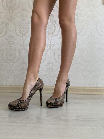 Супер цена Le Silla туфли питон каблук Италия 38