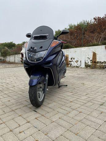 Yamaha scooter 250