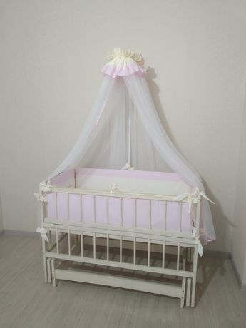 Детская кроватка с маятником (кровать со всем комплектом белья)