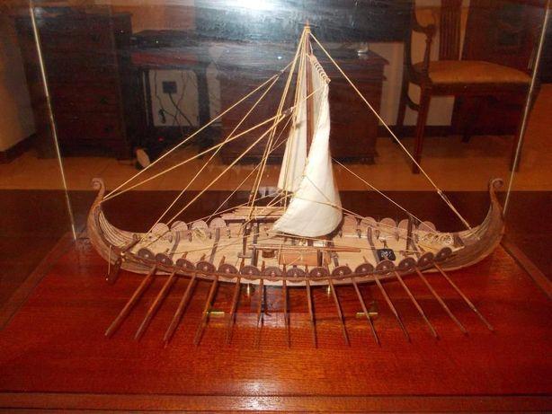 Navio Viking - Modelo á escala (1/50)