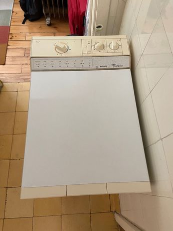 Máquina de lavar roupa americana (vertical) - operacional