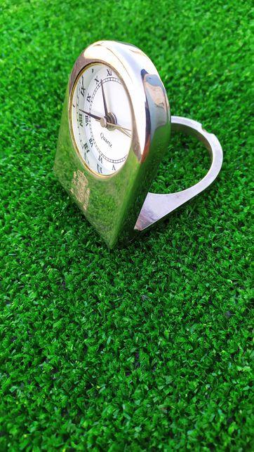 Часы настольные годинник настільний