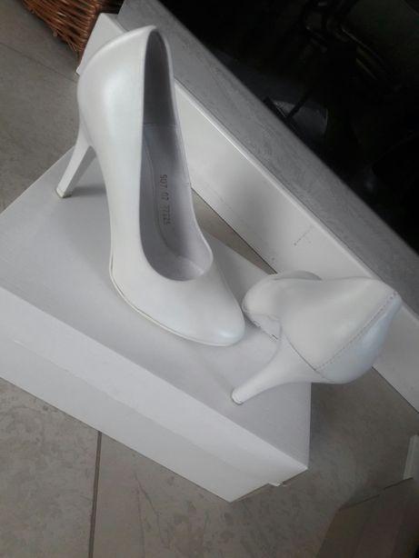 Buty szpilki białe skóra wesele lato