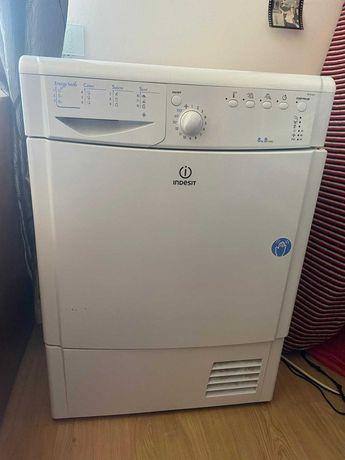 maquina de secar roupa Indesit 8 kg