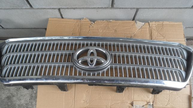 радиаторная решетка toyota highlander тойота хайлендер 2007-2008 год