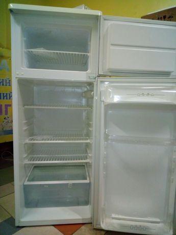 Двухкамерный холодильник Zanuzi