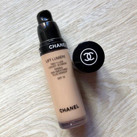 Тональний крем Chanel Lift Lumiere