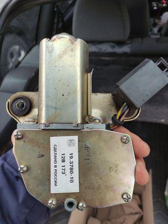 Моторчик омывателя заднего стекла, задний дворник на ваз 2111