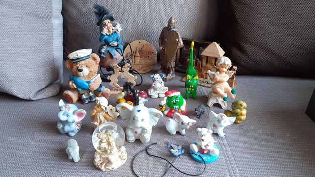 Oddam figurki, pamiątki dla dziewczynki plus kuferek na skarby