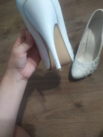 Женская.   обувь