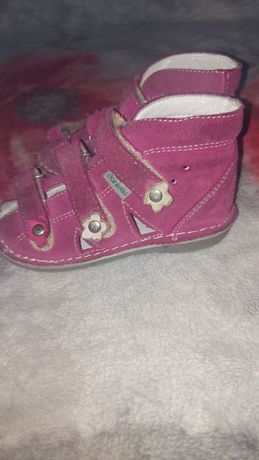 Sandałki rehabilitacyjne Danielki dla dziewczynki