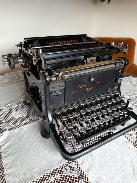 Zabytkowa maszyna do pisania continental