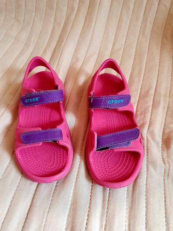 Продам босоножки Crocs на девочку размер 12 С оригинал