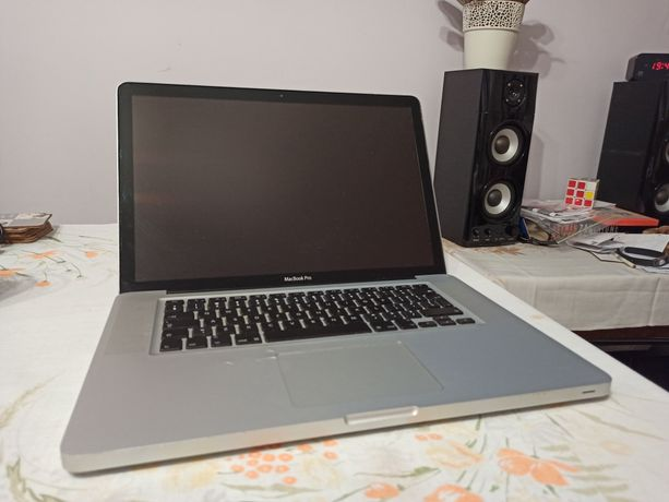MacBook pro 15 A1286 koniec 2008