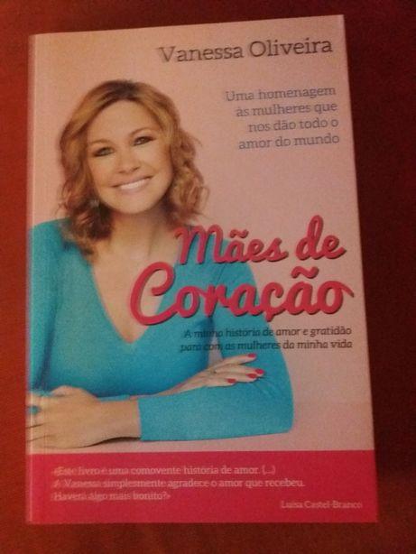 """Livro """"Mães de coração"""" de Vanessa Oliveira"""