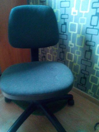 Krzeslo do biurka szare