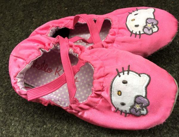 Baletki H&M R.26 Hello Kitty, kapcie, Sanrio papcie