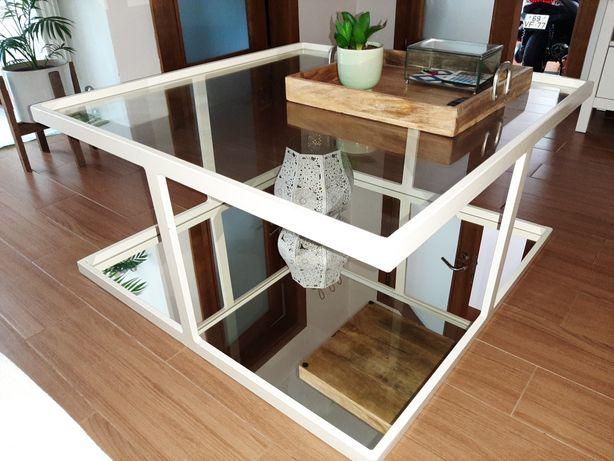 Mesa sala de estar estilo loja ÁREA