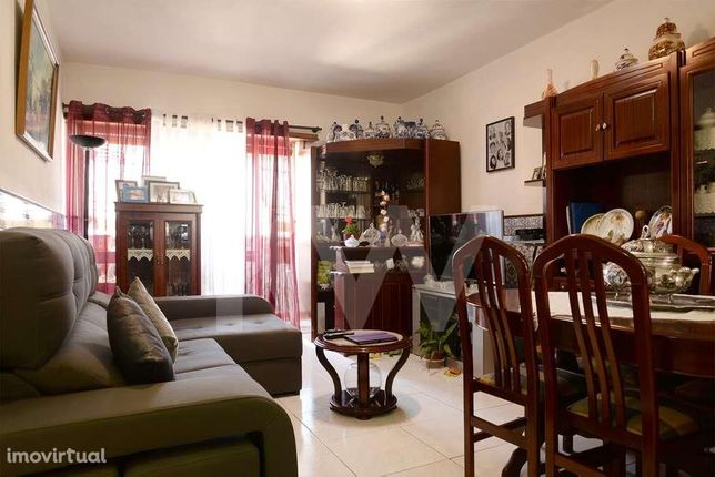 INVESTIMENTO - Apartamento T2 em Sta. Joana - Aveiro