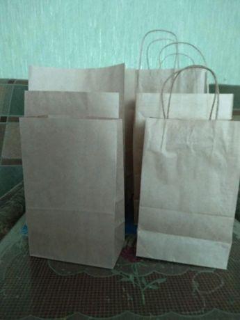 Пакет бумажный с ручками