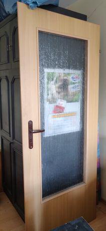 2 pary drzwi wewnętrzne pokojowe z szybą prawe 80