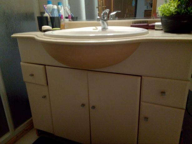 Móvel wc com lavatorio e espelho