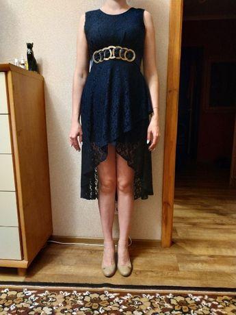 Женское гипюровое темно-синее платье