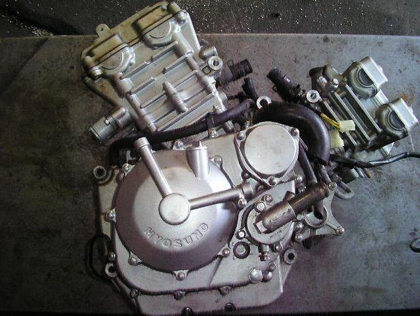 Hyosung 650 разборка двигателя)