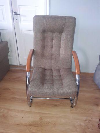 Sprzedam 2 fotele i wersalkę