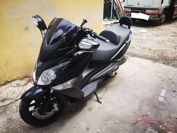 Scooter Sym GTS 125I