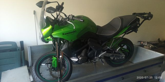 Kawasaki Versys Kle 650 acidentada ER6