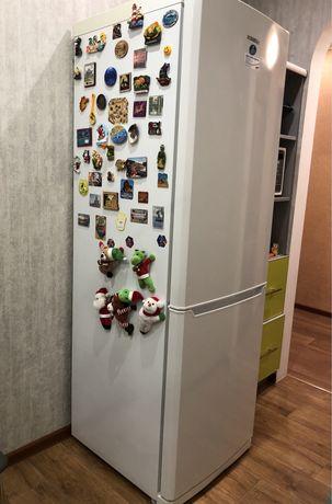 Холодильник Samsung RL38SBSW
