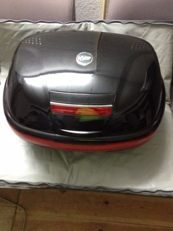 Top case Givi Monokey E46 (litros) - para 2 capacetes