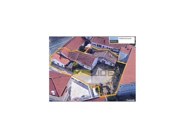 Moradia com terreno para Construção de Prédio em Pinheiro...