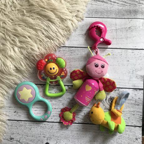 Набор игрушек на кроватку коляску погремушки музыкальная Tinylove