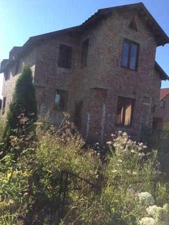 Продам гарний просторий будинок в Микитинцях _Р