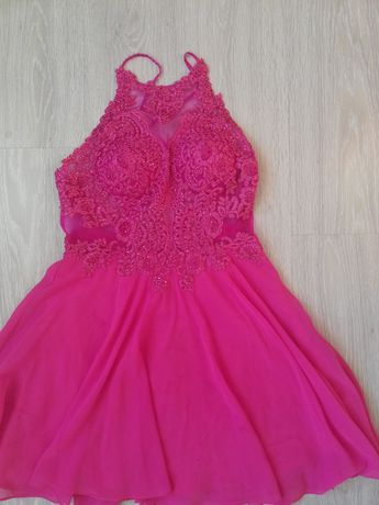 Sliczna sukienka na wiele okazji..
