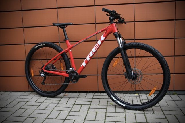 Горный велосипед Trek Marlin 6 giant scott cannondale specialized cube