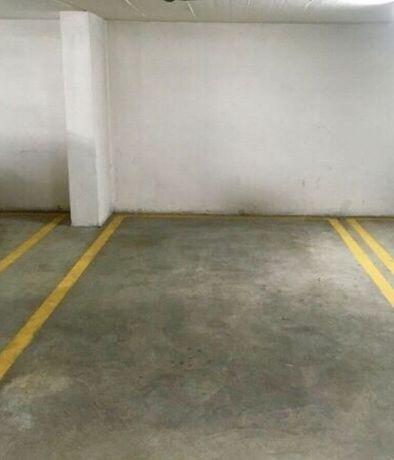 Arrendo lugar Garagem Carro/ Mota (Olaias)