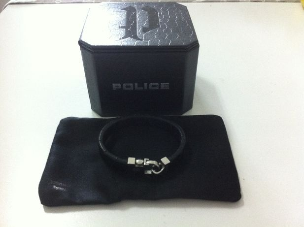 Pulseira Police, praticamente nova.