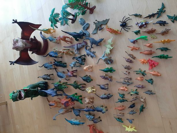 Dinozaury 80 sztuk w tym 2 duże ruchome