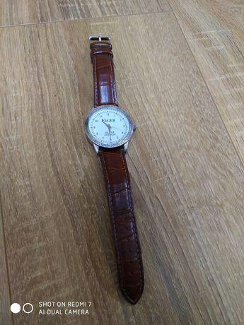 Продам годинник  .