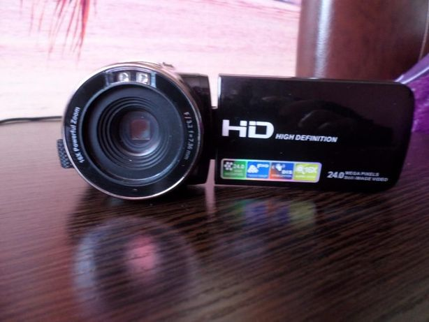Видеокамера цифровя DVC-HD новая