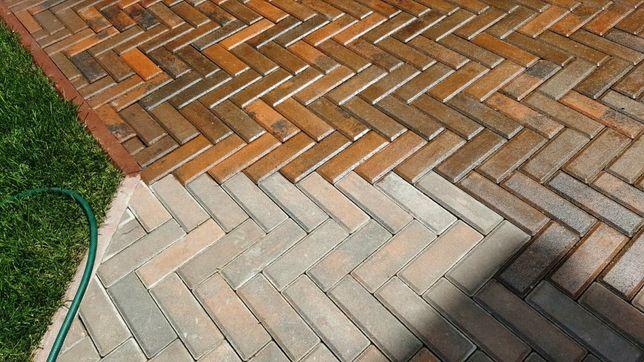 Лак глянцевый полиуретановый для тротуарной плитки
