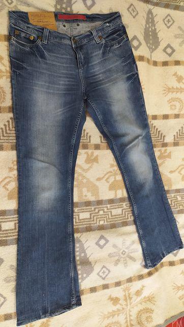 Джинси та брюки жіночі