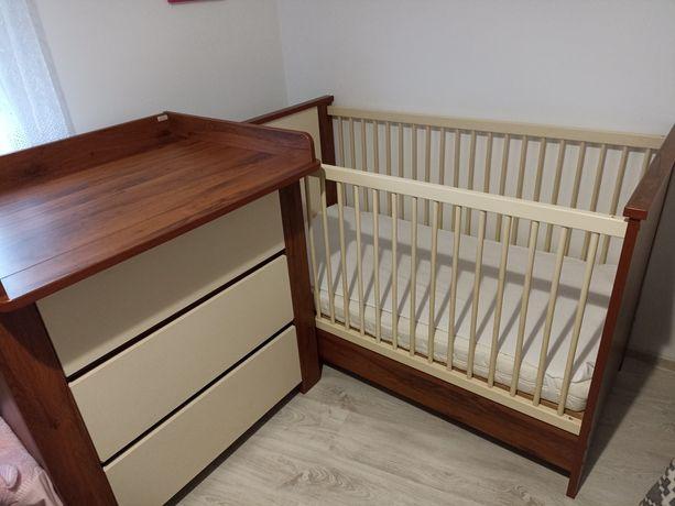 Sprzedam łóżeczko dziecięce z komodą