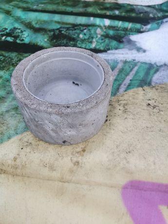 Karmidła betonowe dla królików