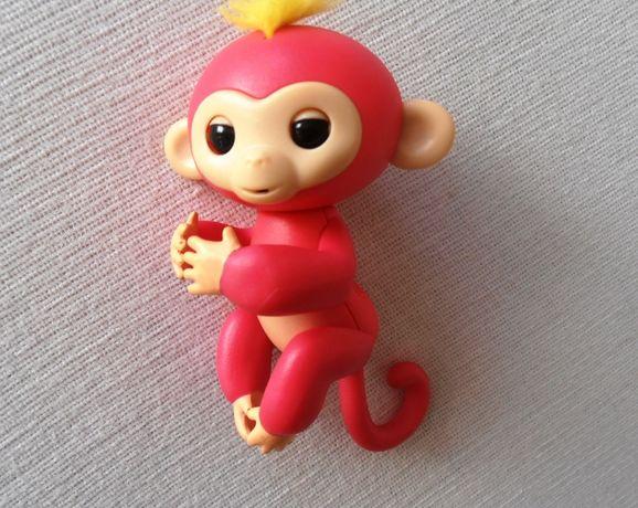 Интерактивная обезьянка-аниматроник Fingerlings Monkey розовая