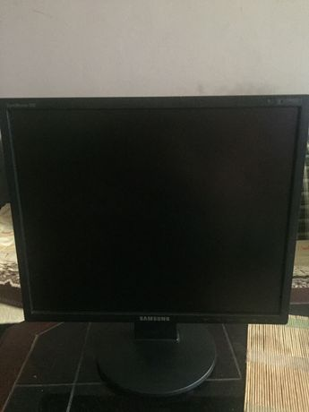 Monitor Samsung Model 943N Typ MY19WS super stan igła