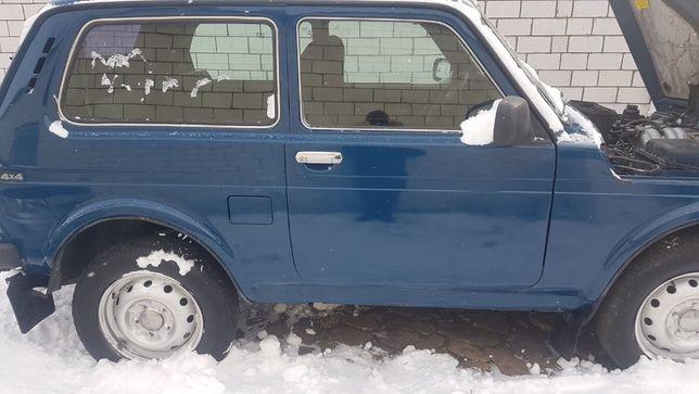 Автомобиль НИВА ВАЗ-21214